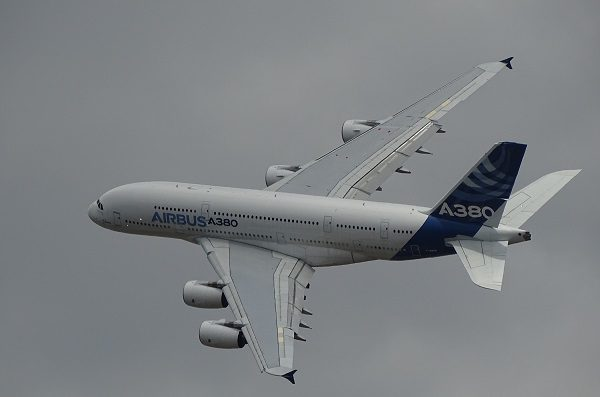 Alternative asset funds, picture of Airbus A380 in flight, Photo by G-R Mottez on Unsplash