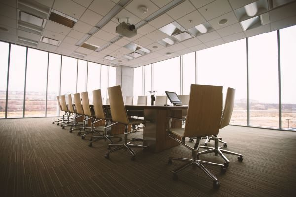 Boardroom shot, Photo by Benjamin Child on Unsplash