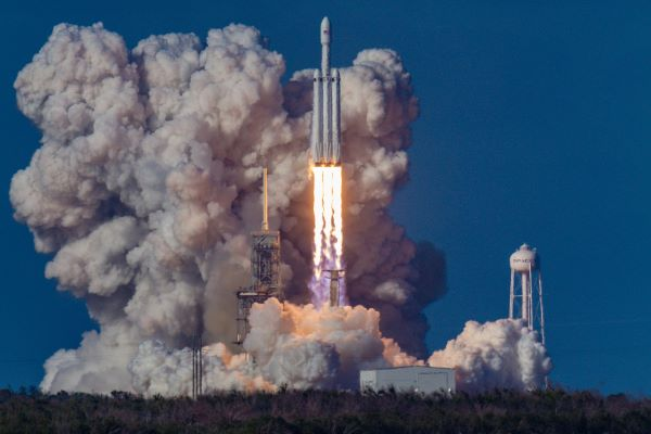 Baillie Gifford, SpaceX rocket launch via Bill Jelen on Unsplash